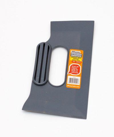 Инструмент пластмассовый универсальный
